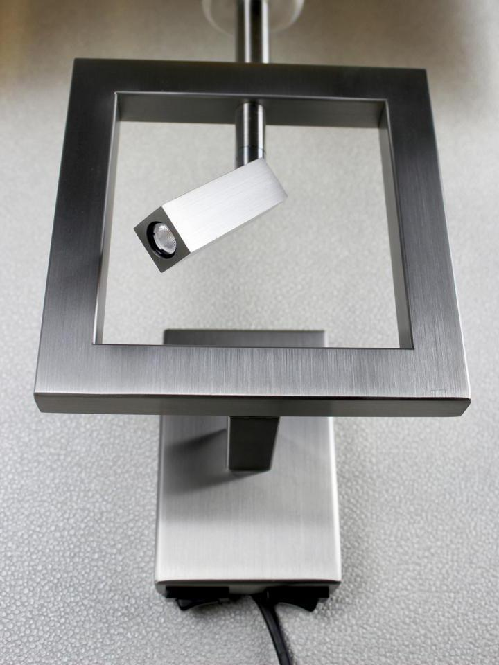 signature home collection lampen accessoires m bel m nchen wand stehlampen. Black Bedroom Furniture Sets. Home Design Ideas